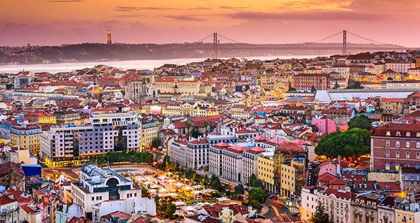 Lissabon vid solnergång